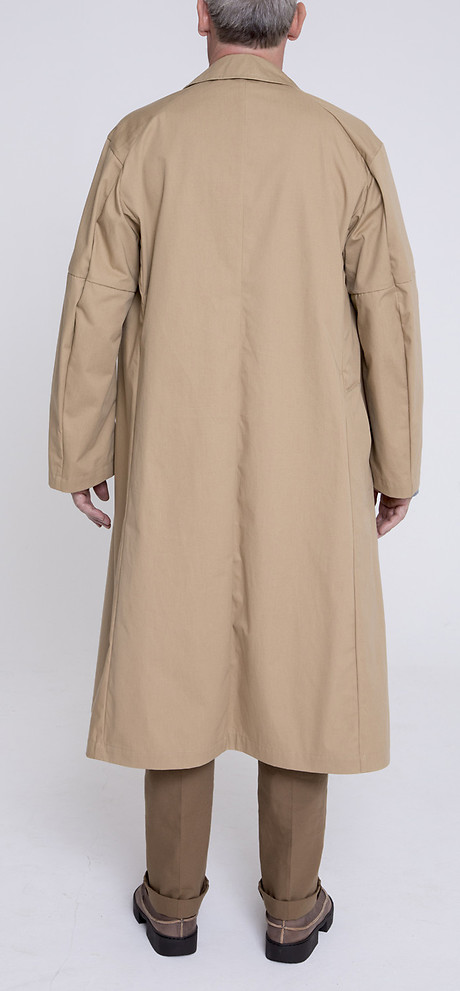 Trench Coat über Gatsby Narrow Hem